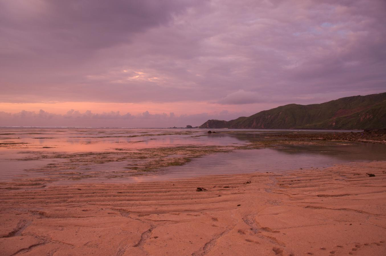 sunrise-at-kuta-lombok-2010