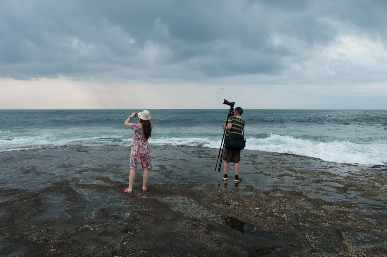 looking-for-the-perfect-shot-tanah-lot-bali-2013