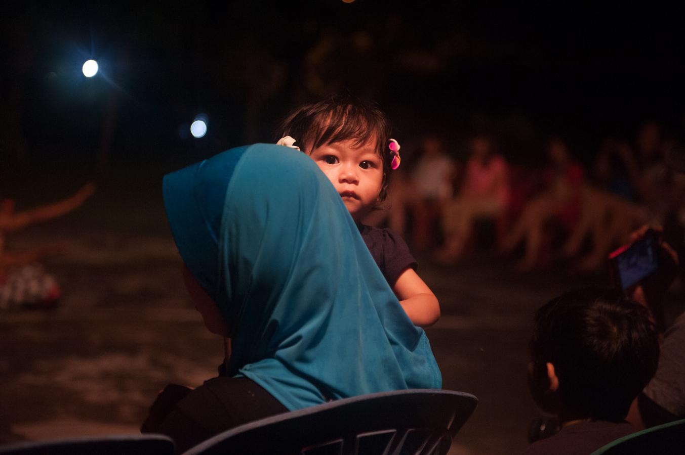 watching-the-kecak-dance-near-tanah-lot-bali-2013-